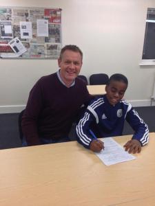Aurio signing